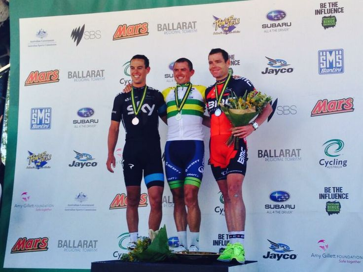 Wow!  What a line up! @CyclingAusRoad The podium of #RichiePorte, #SimonGerrans and #CadelEvans. #roadnats. Train smart with #hexoskinoceania www.hexoskin.com.au pic.twitter.com/PCqpVF2OqX