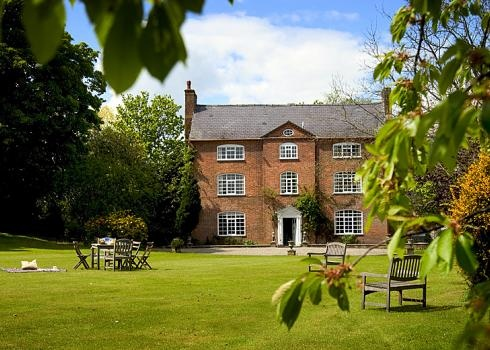 Queen Anne House is a large Grade II listed property that combines many of its original features with modern facilities. It is located on the Welsh border equidistant between Hay-on-Wye and Ludlow.