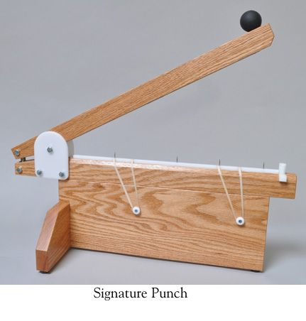 Perforadora para cosido de libros   -   Another signature punch.  (Timothy Moore: Signature punch)