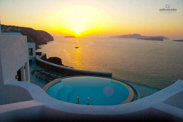 Gazing at the warm orange colors of the sunset from the privacy of your lavish pool…pure magic!