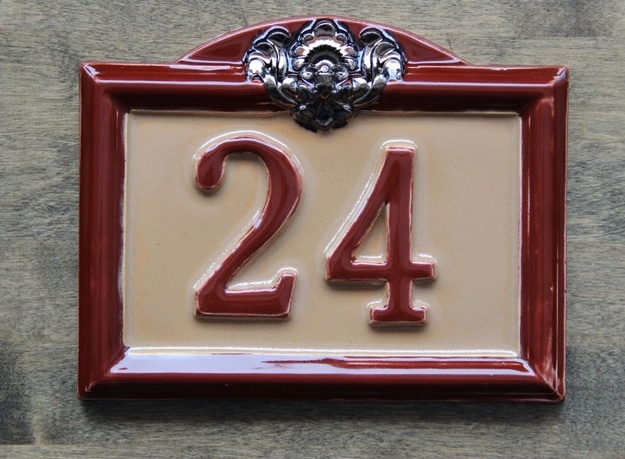 Керамические номера домов ручной работы