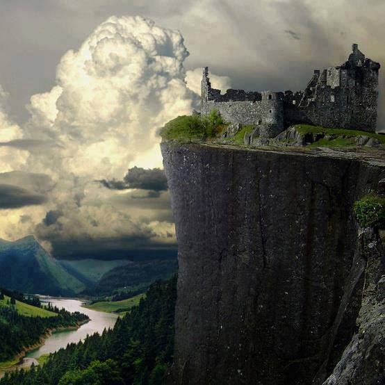 Gerçeküstü & surreal Cliff Castle Ruins, Germany