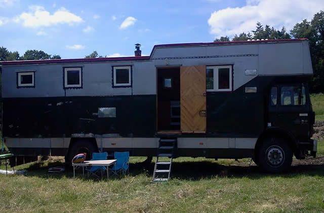 j ai test pour vous vivre dans un camion couple et fils. Black Bedroom Furniture Sets. Home Design Ideas