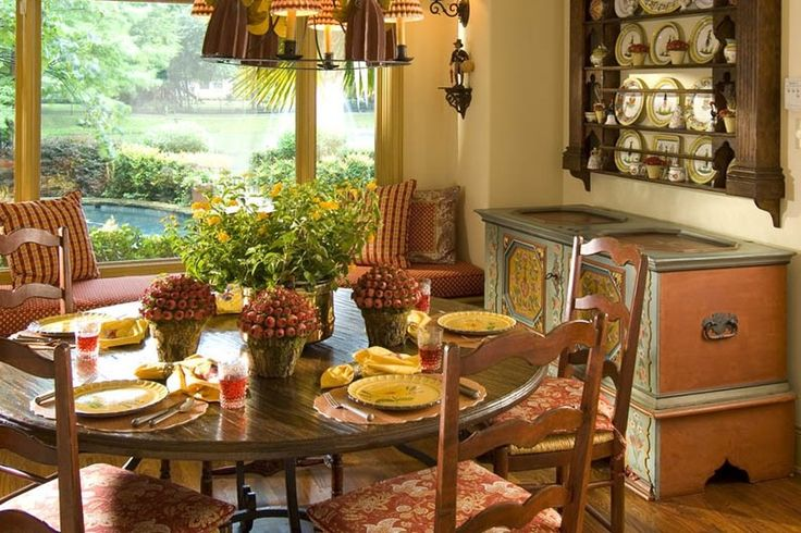 stunning and sunny french country inspired breakfast nook design from 1 of 13 projects by. Black Bedroom Furniture Sets. Home Design Ideas