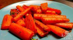 Deze gemarineerde worteltjes zijn zo lekker! Wie houdt er niet van worteltjes? Zelfs kinderen smullen van deze heerlijke oranje groente. Gelukkig bestaat er heel wat variaties op de gewone gekookte wortel. En vandaag delen we zo'n heerlijke variatie met je.  De eerste wortelen kwamen uit Iran en
