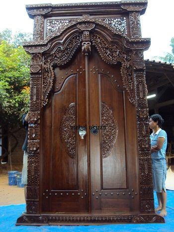 Pintu Rumah Utama Gebyok