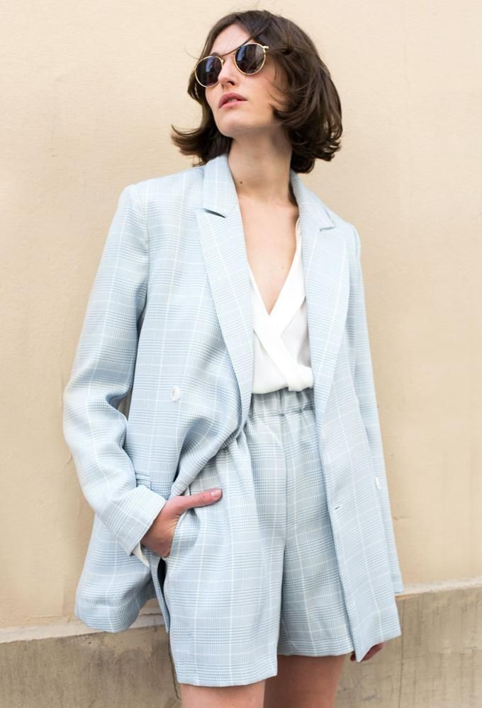 Grey-Blue Relaxed Fit Houndstooth Shorts The Frankie Shop Suit Fashion, Look Fashion, Fashion Outfits, Womens Fashion, Fashion Design, Black Milk Clothing, Korean Outfits, Short Outfits, Blazer And Shorts