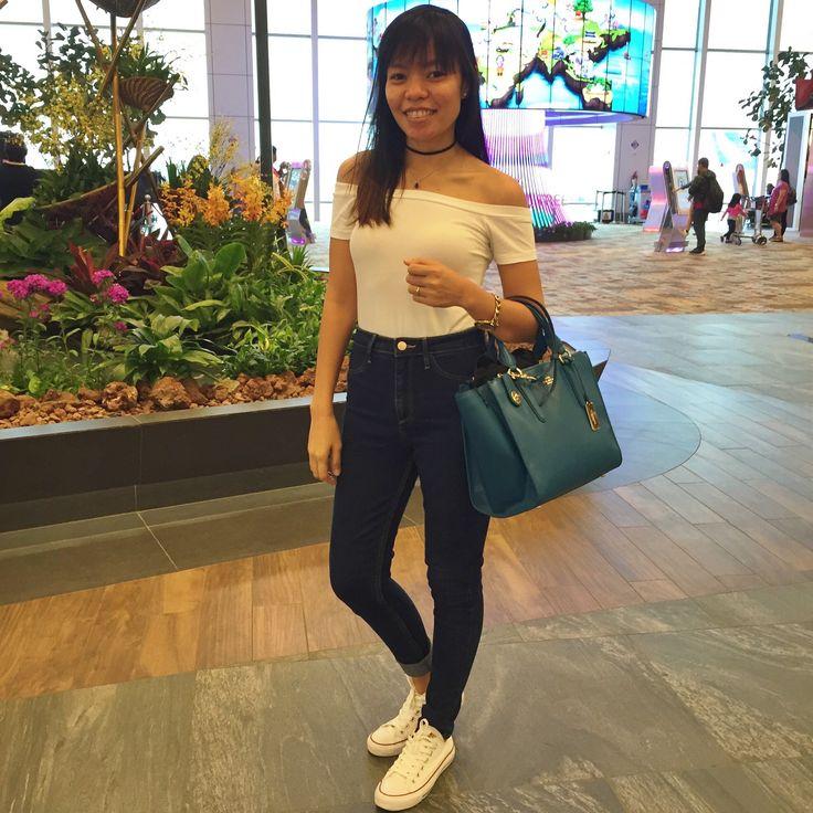Airport outfit  Top: Bershka  Pants: H&M Shoes: Converse  Bag: Coach