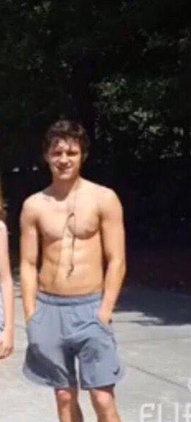 TOM HOLLAND ️ ️ ️ ️ ️ ️ ️ ️#shirtless   Tom holland