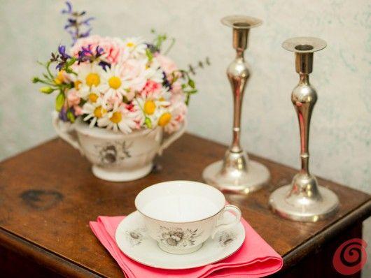 http://www.casaetrend.it/articles/idee-fai-da-te/404/romantiche-candele-in-tazzina/