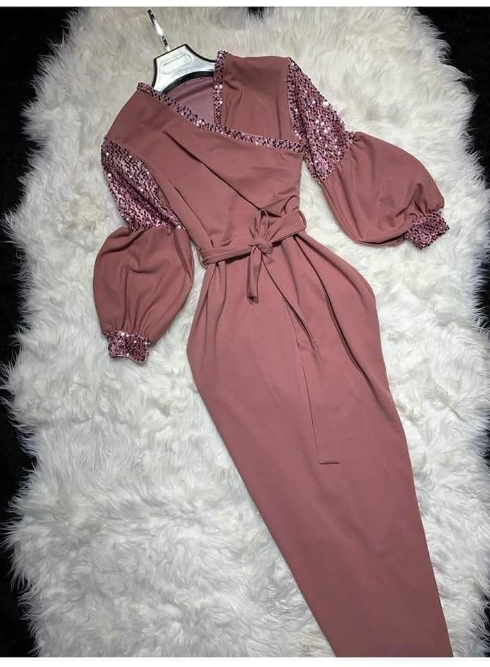 Pin By Amira On Dresses Muslim Fashion Outfits Muslimah Fashion Outfits Stylish Women Fashion