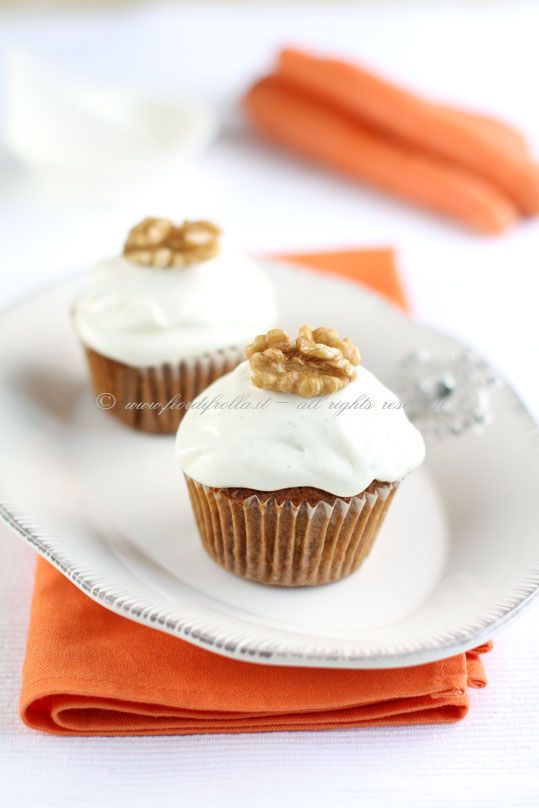 Carrot Apple and Walnuts Cupcakes #recipe #juliesoissons