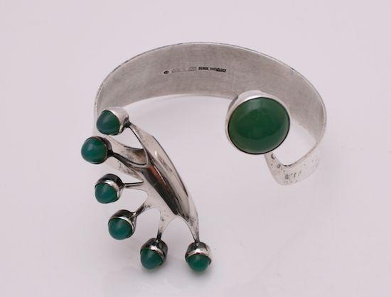 Martti Viikinniemi, sterling silver and green agate cuff bracelet, 1973. | Grasilver.com