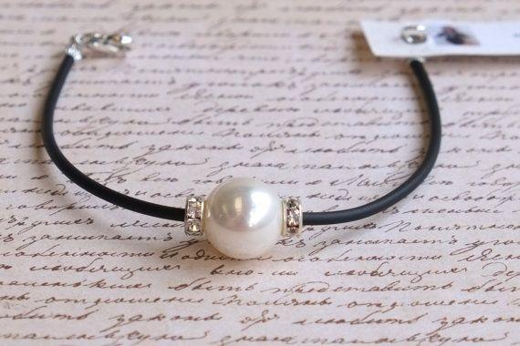 Single White Swarovski Pearl Bracelet by BeadInspiredSA on Etsy