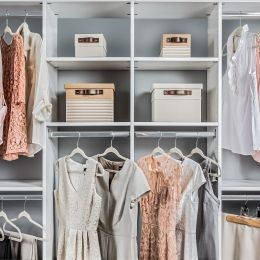 Reach-In Closet Shelving System