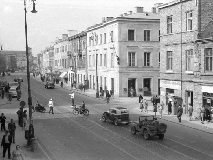 Nowy Świat fot. 1952r., Alfred Funkiewicz, źr. ze zbiorów Muzeum Warszawy.