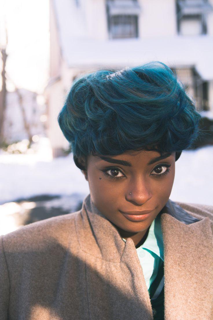 Blue hair, Hepburn brows