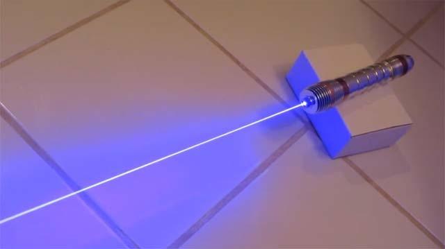 DIY - Un véritable Sabre laser de 3000mW
