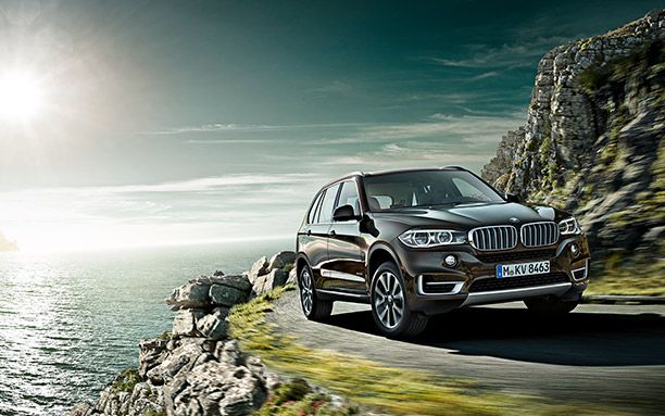 BMW-X5-Has-a-Large-Size-Cabin-Front-Views.jpg (612×383)