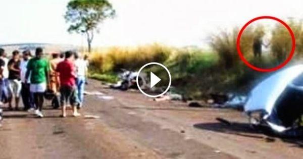 http://noticias.r7.com/hora-7/fotos/sinistro-vultos-aparecem-de-maos-dadas-apos-acidente-com-morte-no-parana-01102014#!/foto/1