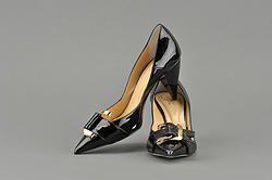 5 consigli  di un artista per risparmiare sui vestiti #moda #style #fashion #scarpe #artisti #risparmio #sconti #io