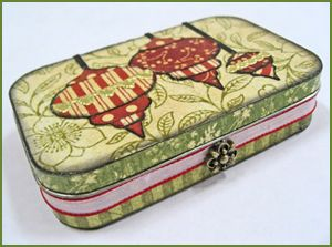 Cute decorated Altoids tin! Use for gift cards? Homemade candies?