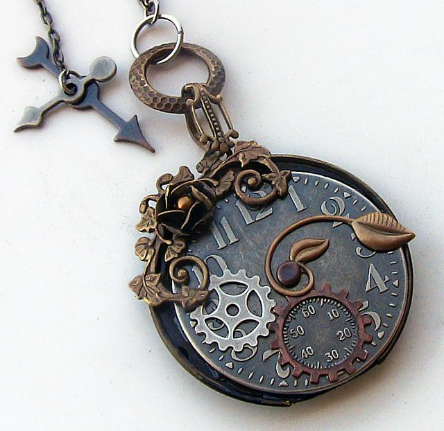 Another great steampunk pendant.