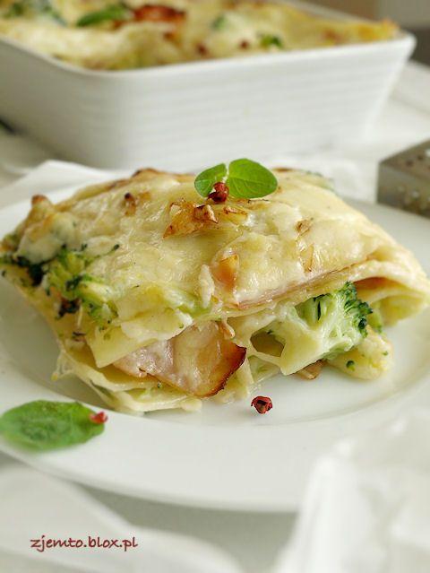 Lasagne z brokułami i szynką