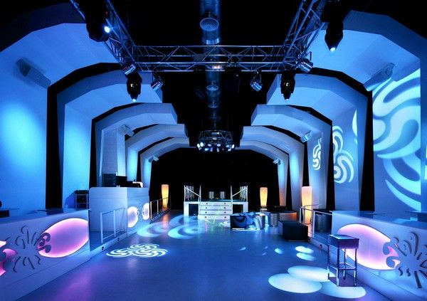 Lacova Night Club Freshome04.jpg Outstanding Nightclub in Barcelona Inspired by Ice Caverns