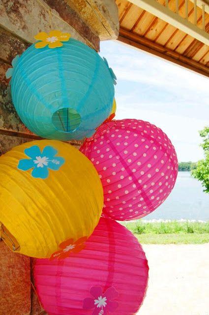 más y más manualidades: Decora tu fiesta con coloridas lámparas de papel
