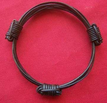 JE3GB  7 hair 3 knot bracelet. Diameter 3.5 Price $59 incl. ship & ins