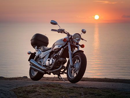Traveling with your motorcycle: What to look for in a motorcycle shipping company?