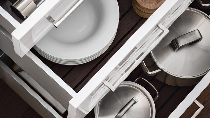 Aménagement intérieur de tiroirs et coulissants de cuisine - tout y trouve sa place chez SieMatic.