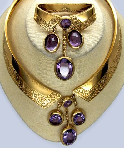 Antique French 18ct Gold Collar and Brooch, circa 1880.