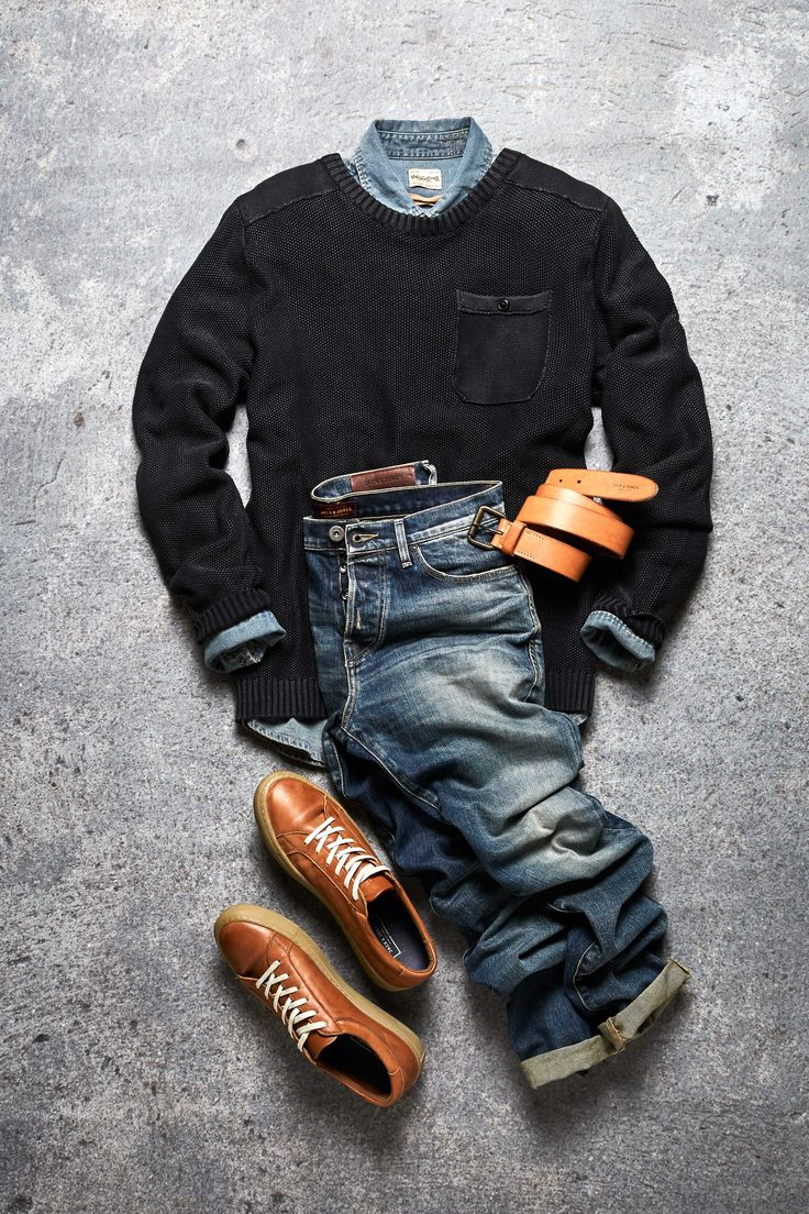 Authentically worn jeans, brown leather sneakers, brown leather belt, a denim shirt and a cardigan - keep it casual | JACK & JONES #men #ootd #style #look