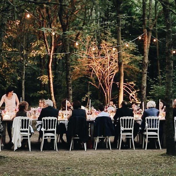 Welcome to #conventodellannunciata 😍 .  .  .  #wedding #weddingday #realwedding #videographer #weddingvideographers #weddingfilm #film #frame #love #dinning #outdoor #wood #light #weddinginitaly #sweet #followme #2become1video