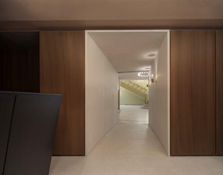 David Chipperfield Architects – Café Royal - Entrance to a walk in wardobe?