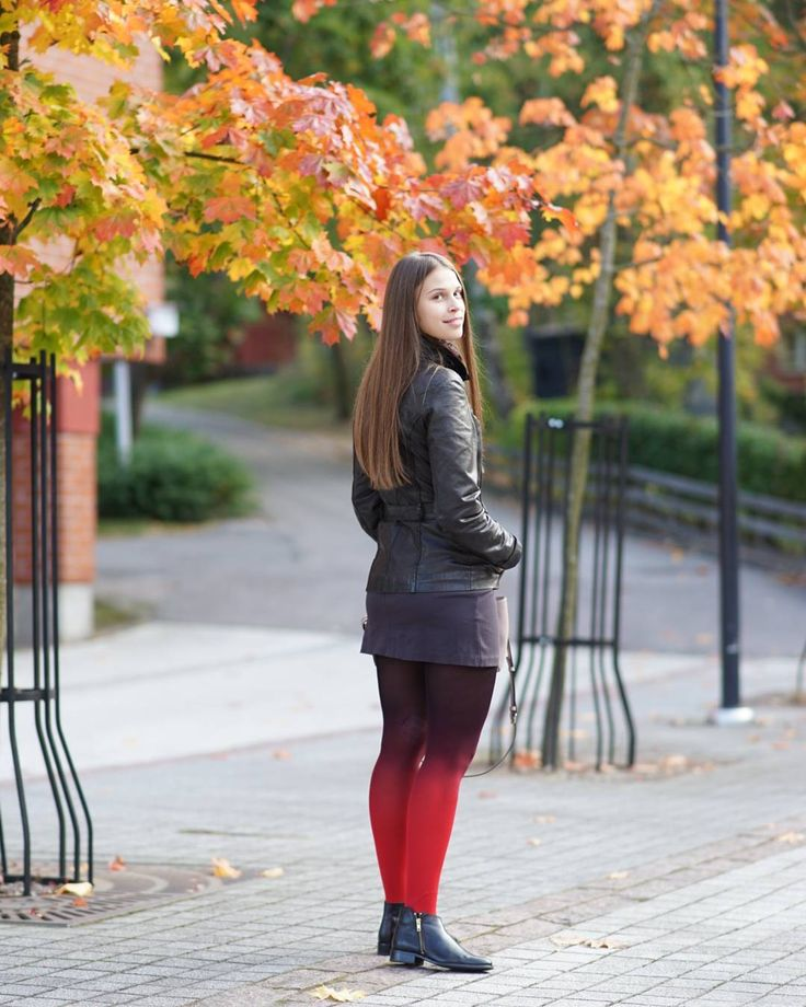 mypantyhosegirl wearing our red-black ombre tights! :) The material is super soft, fits nicely thanks to its comfortable stretch.