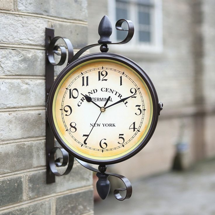 Rotatable European Style Garden Wrought Iron Double Sided Clock Retro Living Room