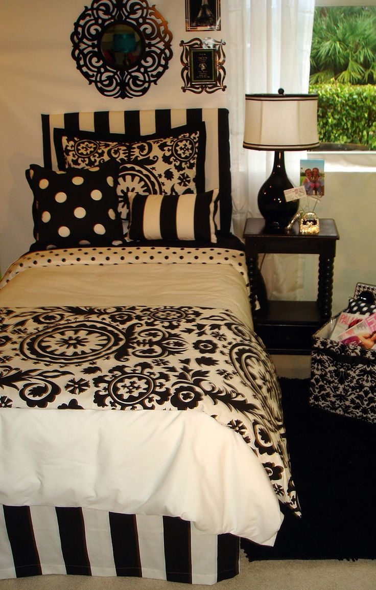 Black and white damask bedding queen - Some Shared Boy And Girl Bedroom Ideas Attractive Boy Girl Bedroom Themes In Black And White Color Scheme Of Bedroom Design Inspiring For Boys And Girls