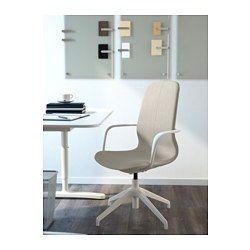 IKEA - LÅNGFJÄLL, Bureaustoel, Gunnared beige, wit, , Een ergonomische bureaustoel met licht gebogen lijnen, aandacht voor genaaide details en een gebruikersvriendelijk mechanisme dat omwille van het design onder de zitting verborgen zit.Je kan met een perfecte balans achteroverleunen, omdat het schommelmechanisme met een inbussleutel is in te stellen, zodat het bij je gewicht en je bewegingen past.Je rug krijgt steun en wordt extra ontlast door de ingebouwde lendensteun.Doordat de stoel in…