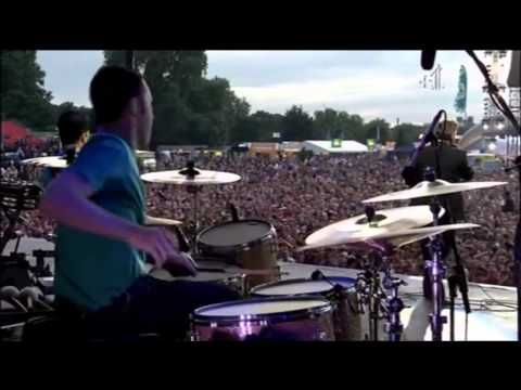Morrissey - The Last Of The Famous International Playboys (Live O2 Wireless Festival 2008) - YouTube