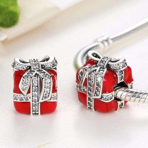 Charms   Silver Christmas Red Present Charm