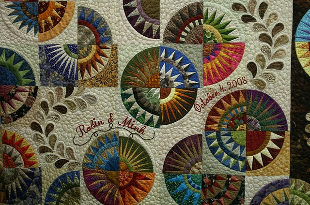 : Quilts Patterns, Beautiful Quilts, York Beautiful, Circles Quilts, Paper Pieces, Gorgeous Quilts, Wedding Quilts, Colors Combinations, Amazing Quilts