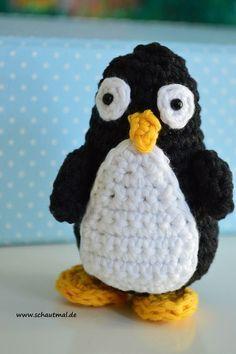 Na, wer kommt denn da daher gewaaatschelt? Es ist Pelle! Pelle Pinguin. Auch mit einem flauschigem Bauch könnte ich ihn mir gut vorstellen. Also habt ruhig Mut, das Garn zu wechseln! Und so hab ic...