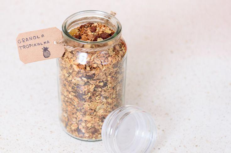 Tropikalna granola #granola #tropikalna #płatki #zbożowe #śniadanie #cereal #flakes #tropical #breakfast