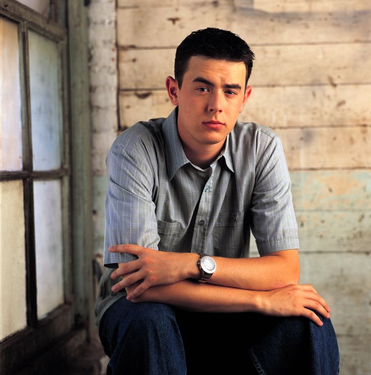 "Colin Hanks on the tv series ""Roswell"""