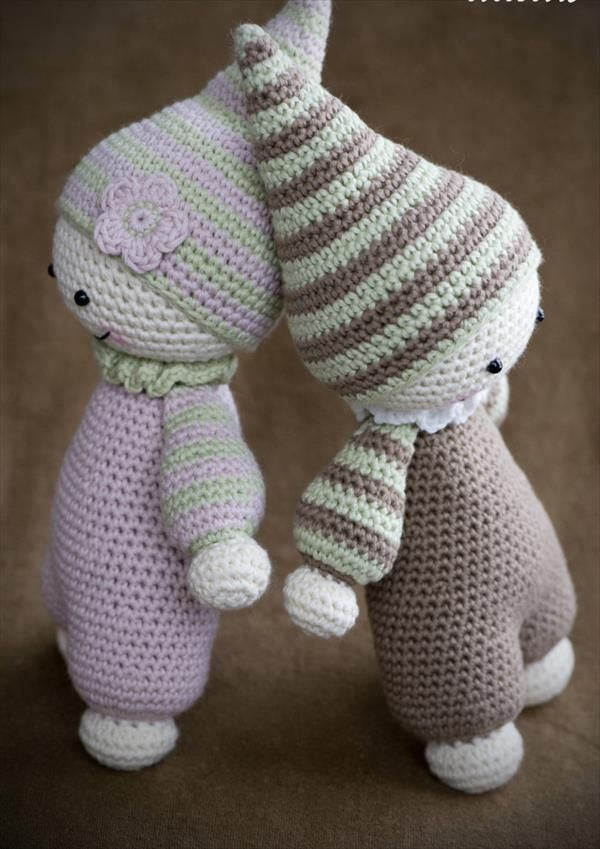 Scharline: I think one of these would be sweet as one of her first stuffed animals.. free cuddly baby pattern from crochet