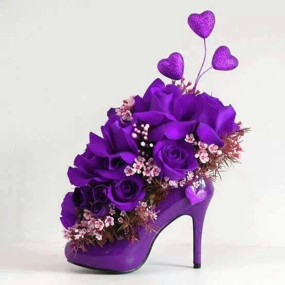 So pretty for a purple wedding reception centerpiece or your bridesmaid party...
