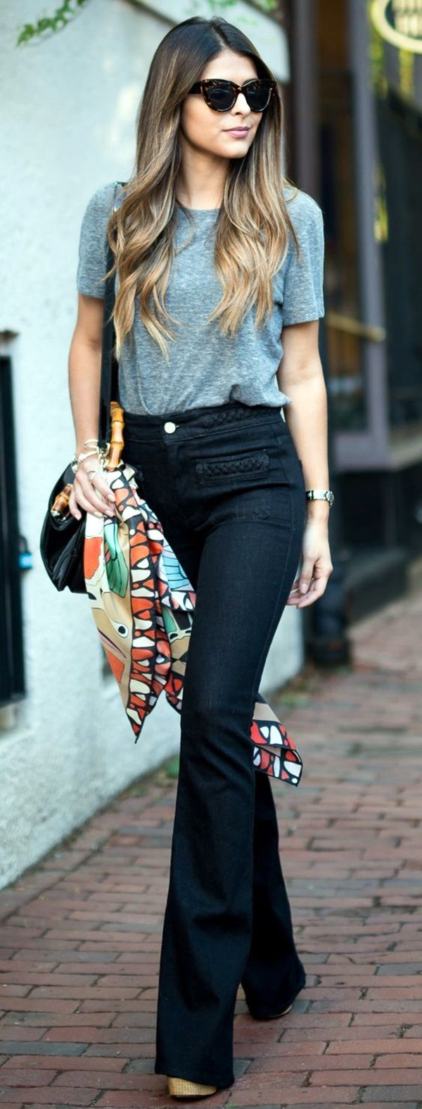 Black t shirt light blue jeans - 75 Non Boring Work Outfits To Wear This Fall